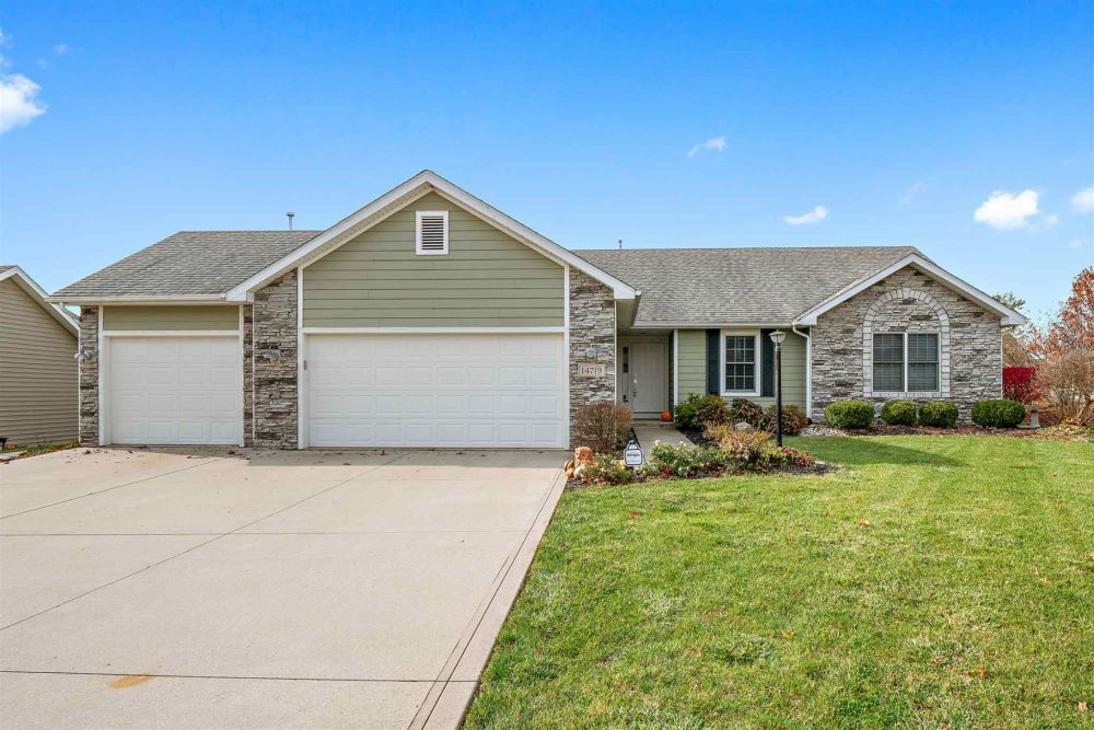 Featured image for 14719 Settlers Trail, Leo, IN 46765