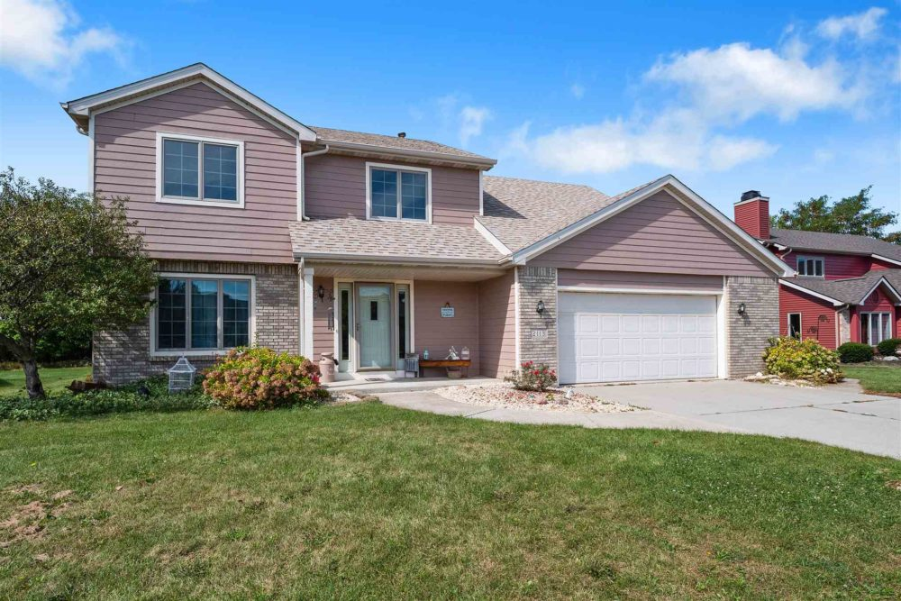 Featured image for 2113 LaForge Lane, Auburn, IN 46706