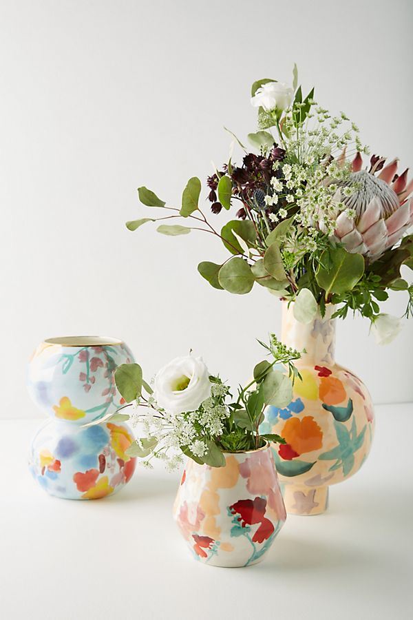 Featured image for Summer-ize Your Home With Fresh Blooms!