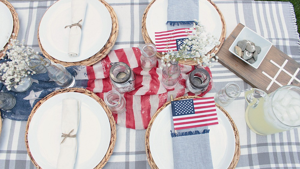 Patriotic Outdoor Tablescape