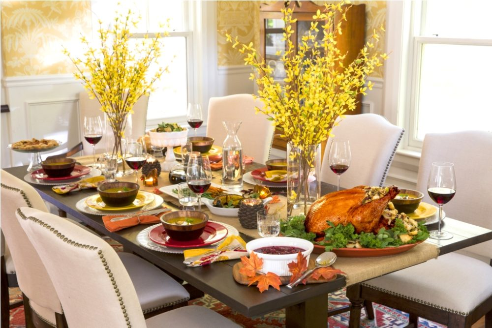 Featured image for Thanksgiving Table Decor