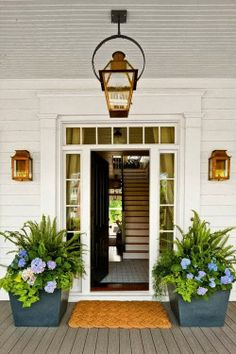 Featured image for Easy Spring Curb Appeal Enhancers