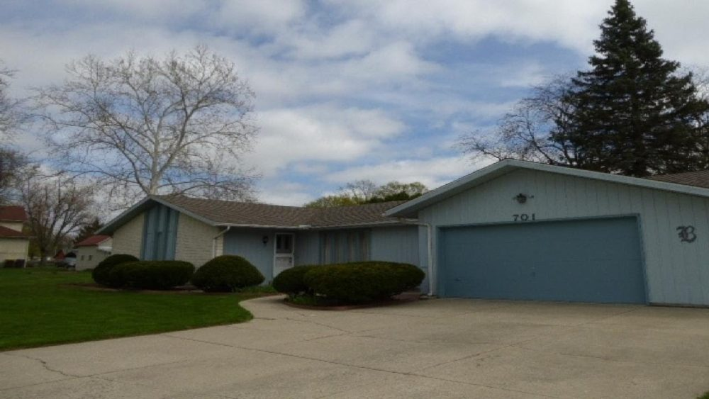 Featured image for 701 E 3rd Street, Auburn IN 46706 Tour