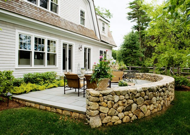 Featured image for Easy & Inexpensive Ways to Deck-Out Your Porch