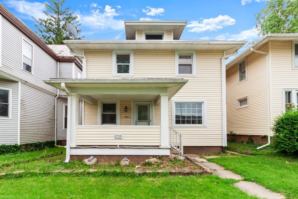Featured image for Fort Wayne Homes for Sale: 3710 S Harrison Street, Fort Wayne, IN 46807