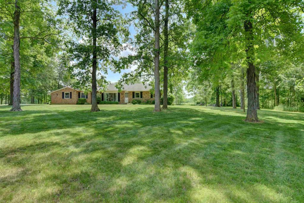 Featured image for Homes for Sale: 3854 County Road 64, Auburn, IN 46706