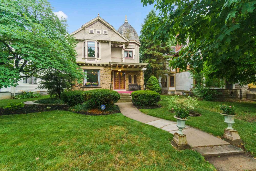 Featured image for Fort Wayne Homes for Sale: 215 W Creighton Avenue, Fort Wayne, IN 46807