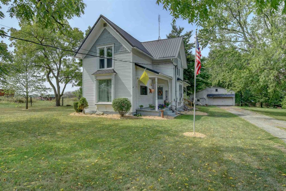 Featured image for Fort Wayne REALTOR®: 225 Hope Street, Corunna, IN 46730