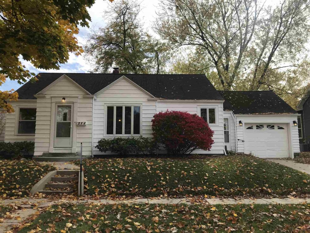 Featured image for Fort Wayne REALTOR®: 214 E Ohio Street, Bluffton, IN 46714